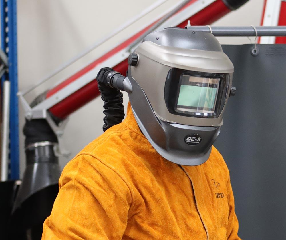 Equipo motorizado DACAiR + careta de soldar DC3 para protección respiratoria.